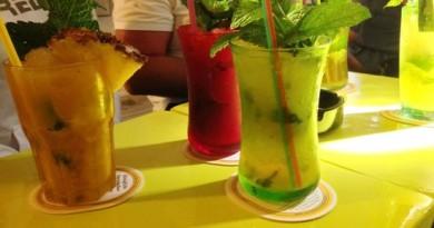 Mojito's drinken in Ibiza-stad