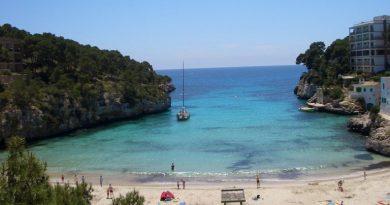 7 illegalen op boot voor kust van Mallorca