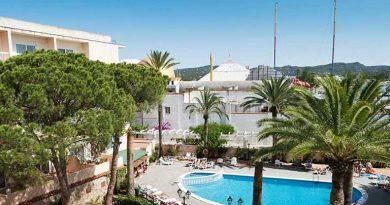 Brit vecht voor zijn leven na val van balkon op Ibiza