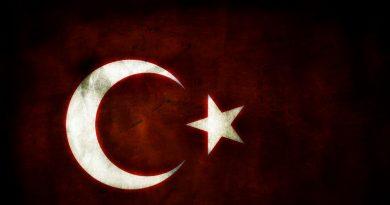 Minuut stilte op Ibiza voor aanslag Istanboel321