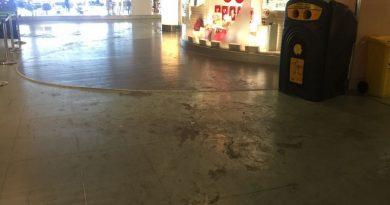 Schoonmaakpersoneel luchthaven Ibiza weer aan het werk