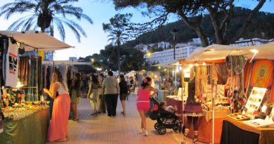 Hippiemarkt in Cala Llonga