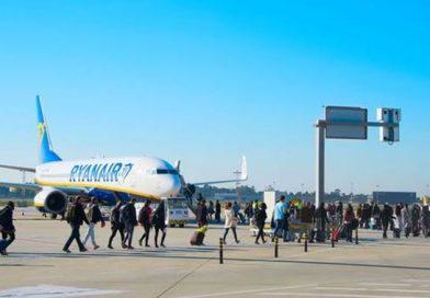 Paniek in vliegtuig naar Ibiza, passagiers met spoed geëvacueerd