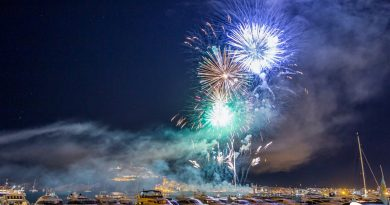 Groots vuurwerk spektakel in Ibiza-stad